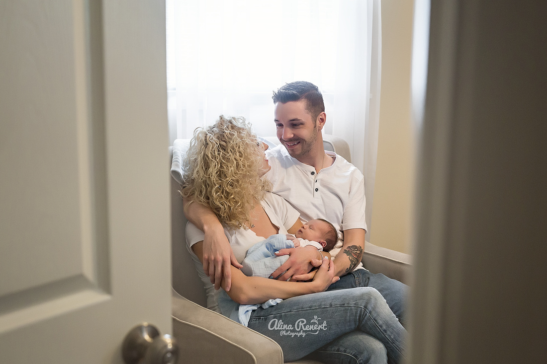 Lifestyle Newborn  Session, Chicago, IL with Alina Renert Photography