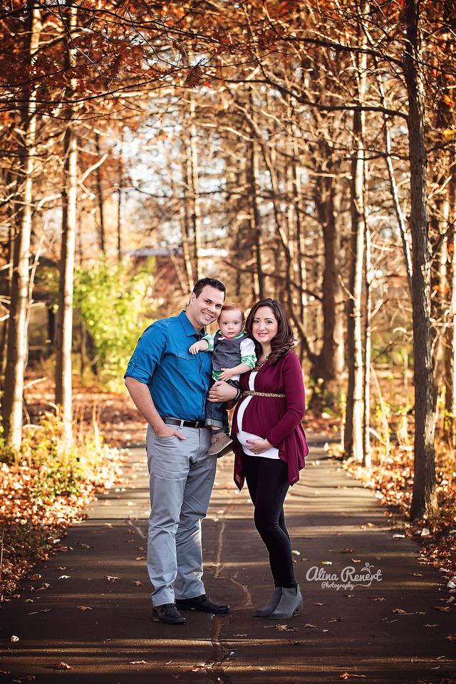 Chicago Outdoor Maternity Photographer Alina Renert