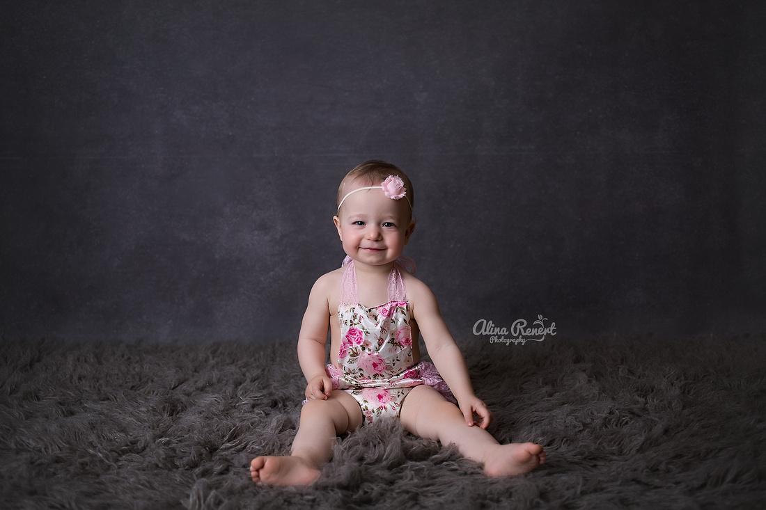 Chicago Baby Cake Smash Photographer Alina Renert