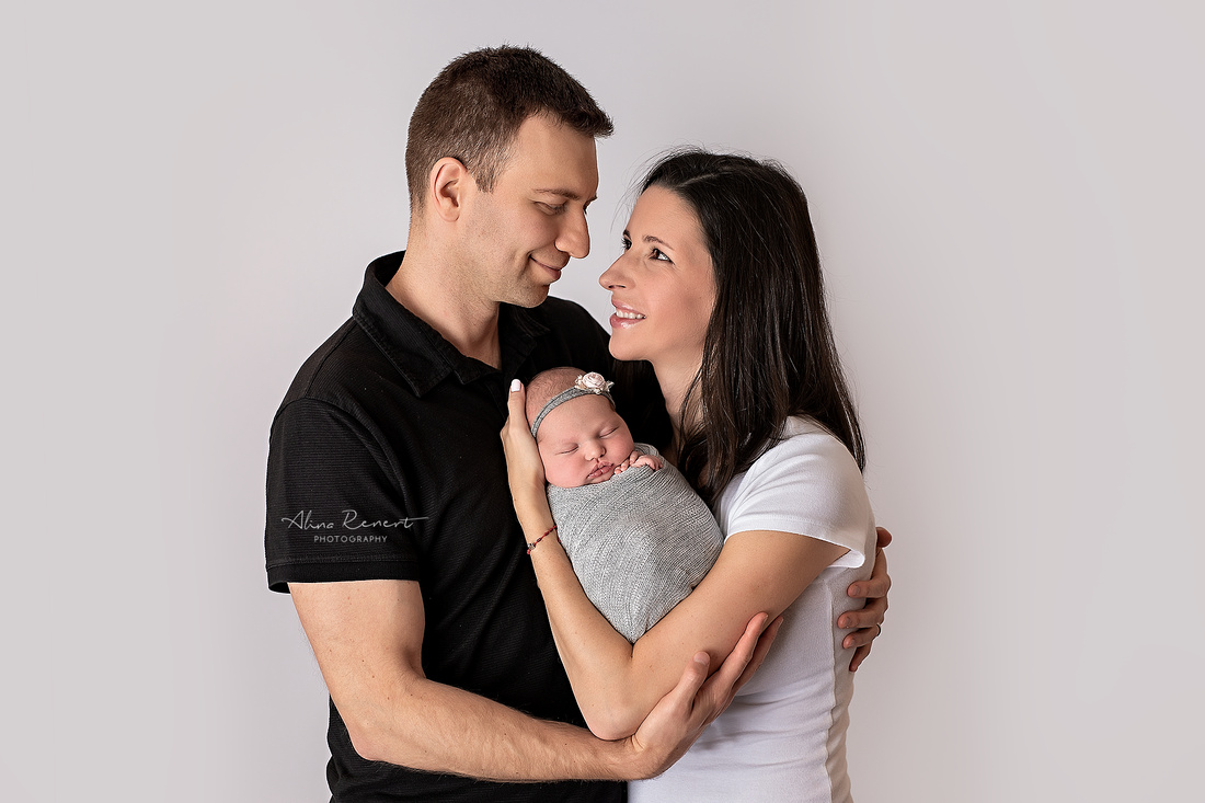 Chicago's Premier Studio Newborn Photographer Alina Renert