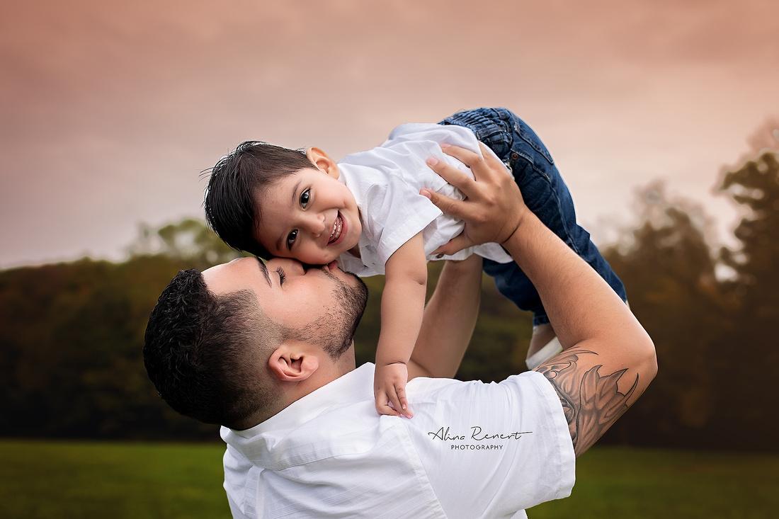 Chicago Outdoor Family Photographer Alina Renert - Karim