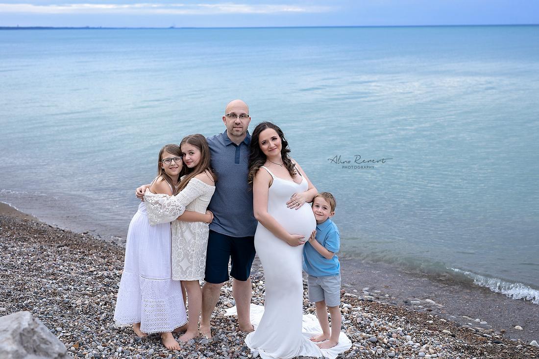 Rainbow Maternity ll Chicago Outdoor Family Maternity Photographer Alina Renert