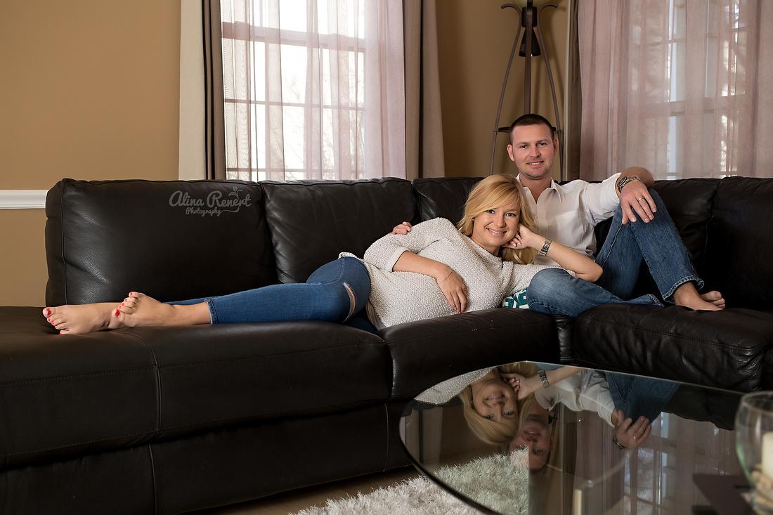Chicago's Premier Lifestyle Maternity Photographer Alina Renert