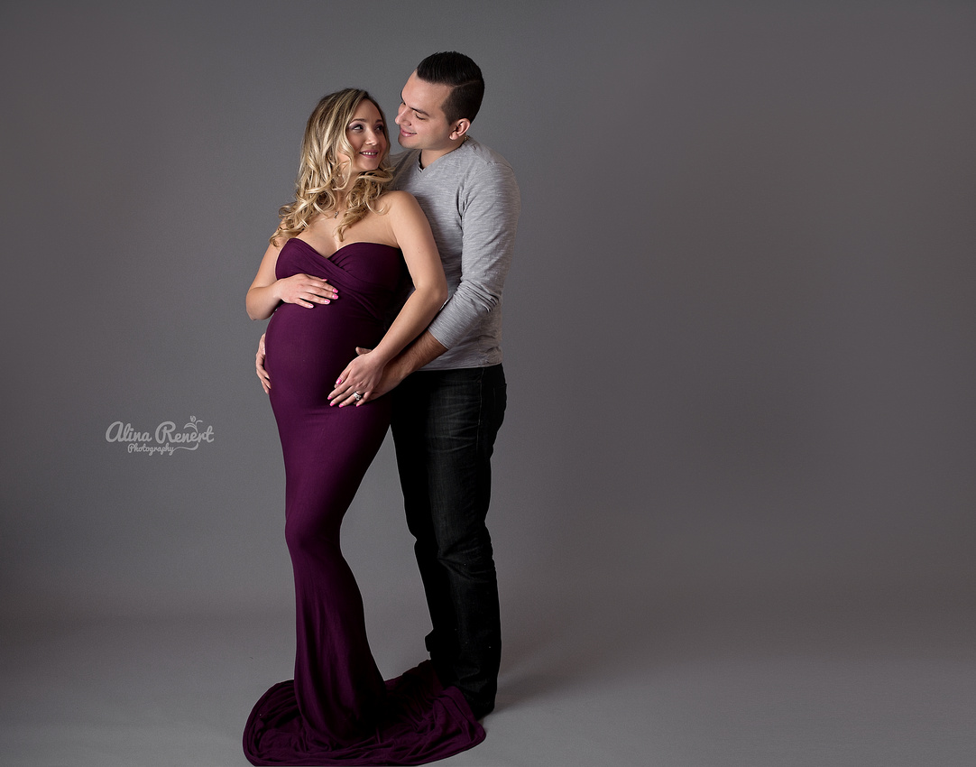 Wheeling Maternity Photographer