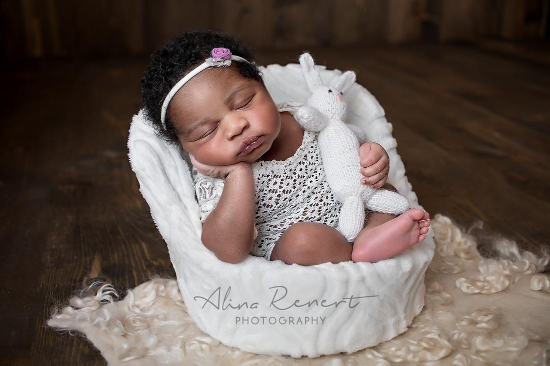 Chicago Newborn Session - Zoe - Alina Renert Photography