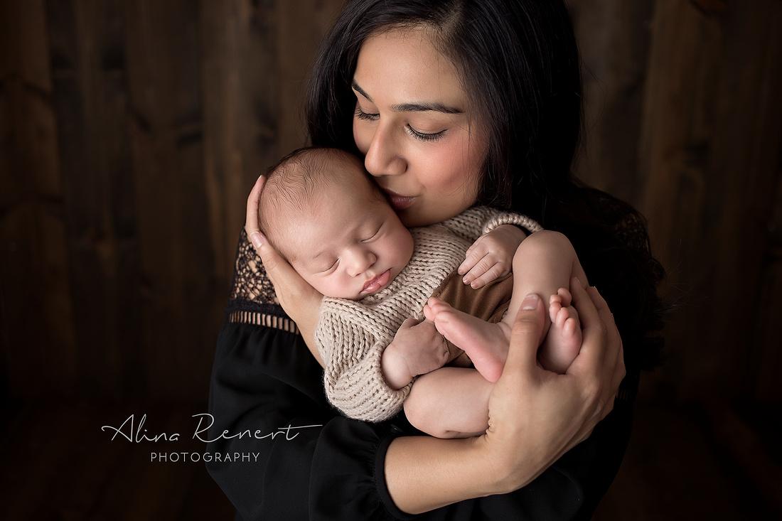 Chicago Newborn Session with Alina Renert Photography
