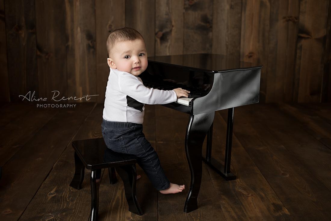 Chicago Baby Milestone - Jonah - Alina Renert Photography