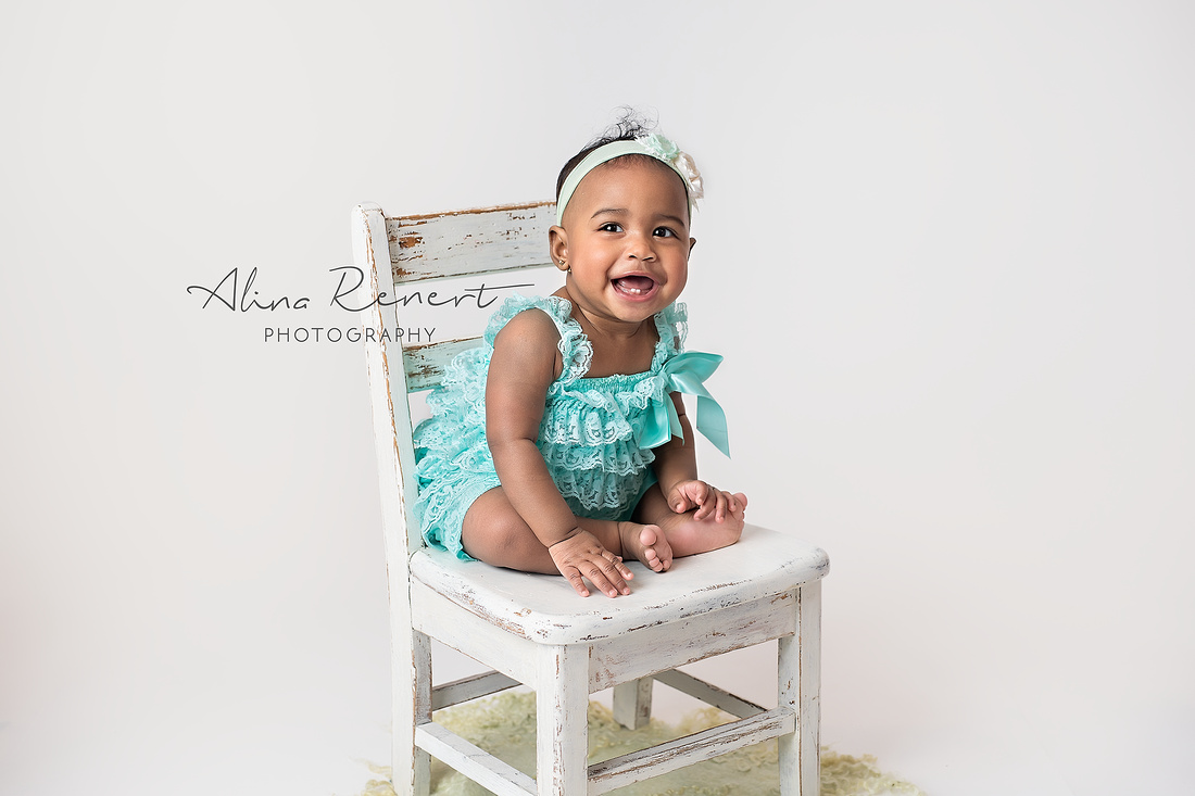 Chicago Studio Milestone Session - Zuri - Alina Renert Photography
